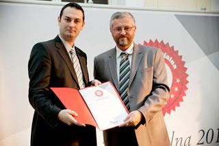Tomislav Bagić, direktor maloprodaje Mercatora-H, prima priznanje